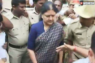 Sasikala Questioned By IT Officials In Bengaluru Prison
