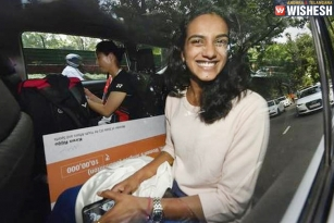 World Champion PV Sindhu Returns Home