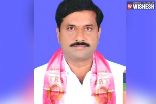TRS Leader Dubbaka Sathish Reddy Dies In Road Accident At Narketpally