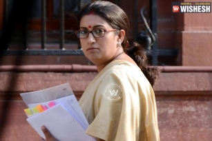 Union Minister Smriti Irani finds secret cam in FabIndia store changing room