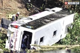hospitalized, bus accident, bus accident in west bengal 40 injured, Hospitalized