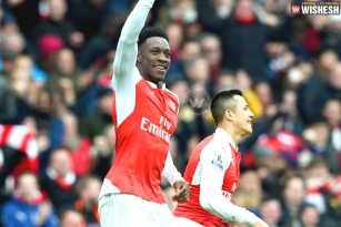 Welbeck the hero as Arsenal break 10-man Leicester