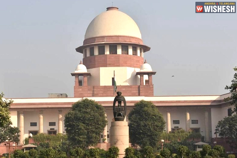 SC Contends Making Aadhar Mandatory For ITR, PAN